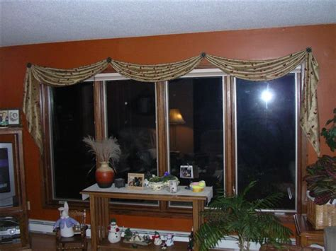 Board Mounted Valance Ideas What Is A Valance And How Is It Different Than A Cornice
