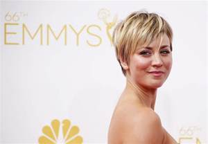 new hair in big kaley cuoco criticised over new hair cut the big bang