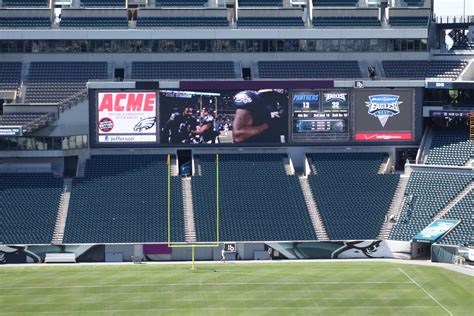 lincoln financial field standing room 100 lincoln financial field the 50 largest college football stadiums stacker