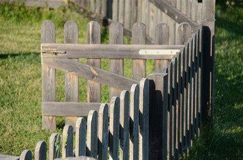 vallas de jardin de madera vallas de madera para jardin facilisimo