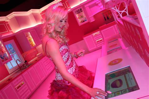 design your own barbie dream house curiocity a tour of barbie s dreamhouse experience 171 wcco cbs minnesota