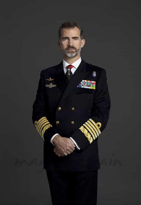imagenes del negro felipe felipe vi ya tiene sus fotos oficiales como militar