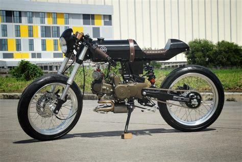 rusi mojo cafe racer  iron macchina custom bikebound
