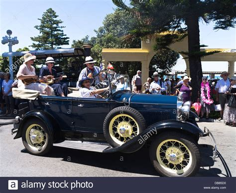 deco vintage car parade 2016 dh marine parade new zealand band