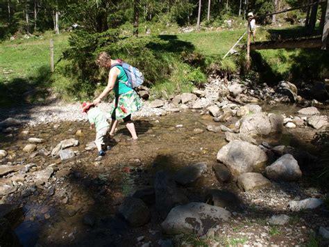 wandlen kinder 10 tips wandelen in de bergen met kinderen