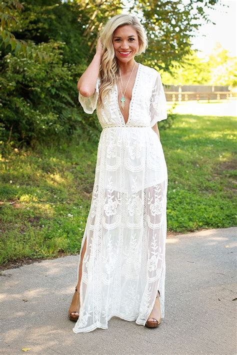 Maxi Lovly lovely in lace maxi dress in white lace maxi