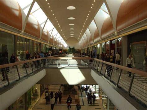 apertura centro commerciale porte di roma grande apertura dell apple store roma est