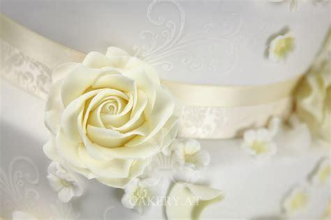 Hochzeitstorte Ivory by Ivory Wedding I The Cakery Torten Der Besonderen