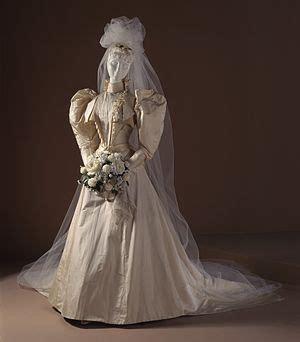 Ee  Wedding Ee   Dress Wikipedia