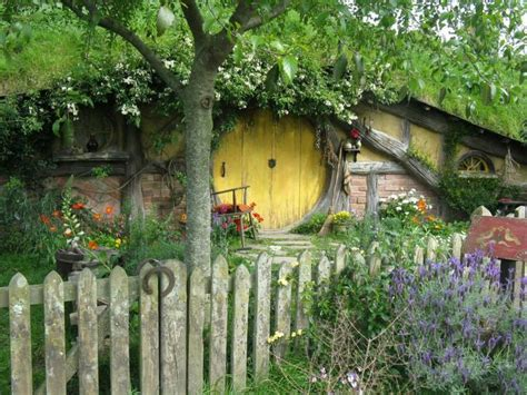 hobbit house new zealand fairy tale scenery pinterest 332 best images about my inevitable hobbit hole on