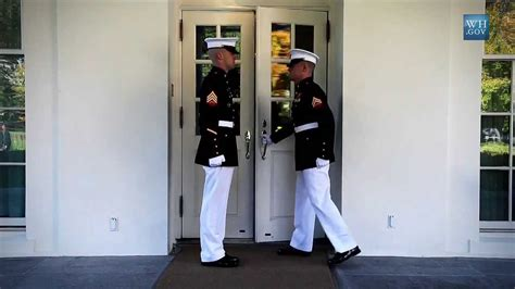white house marines marine sentries inside the white house youtube