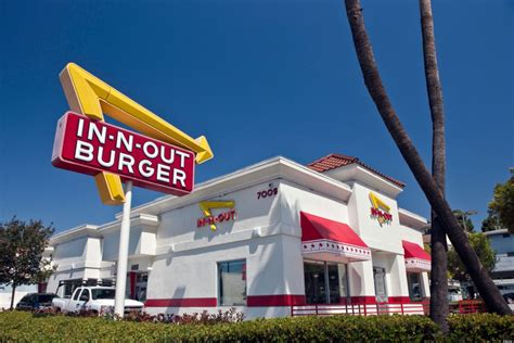 n burger it s happening in n out burger is coming to oregon that oregon