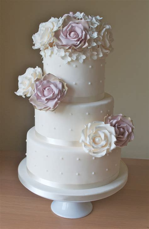 vintage wedding cake ideas vintage roses wedding cake