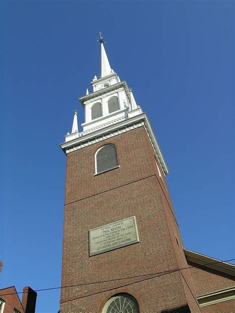 Awesome North Church Boston #1: 768px-Old_North_Church%2C_Boston%2C_MA_2008.jpg