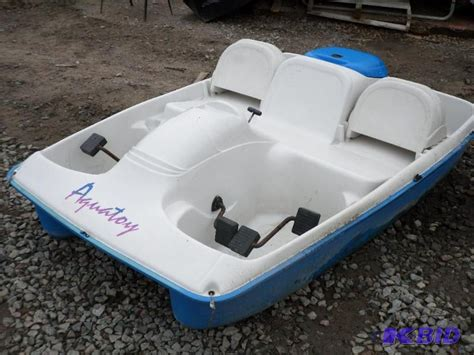 pelican 2 person paddle boat lightly used aquatoy 2 person paddle boat ad loretto