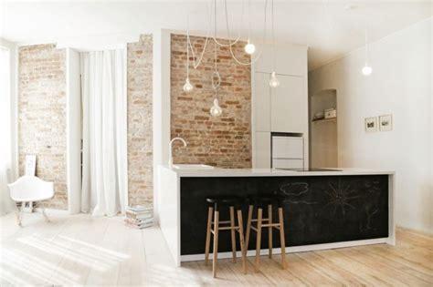 mur ardoise cuisine mur brique d 233 co en peinture ardoise et plancher en