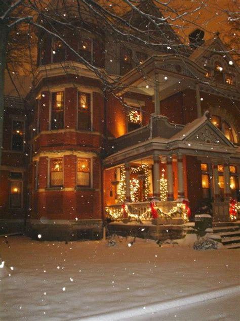 christmas homes victorian christmas house joy to the world pinterest