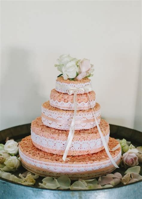 Wedding Cakes Easy To Make by 25 Tasty And Easy To Make Rice Krispie Wedding Cakes