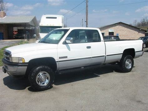 online service manuals 1997 dodge ram 2500 club interior lighting service manual 1997 dodge ram 2500 club trim removal window purchase used 1997 dodge ram