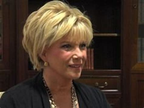 how to style hair like joan lunden joan lunden 62 advocates for aging well read http