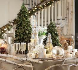 Christmas Table Setting by Christmas Centerpieces