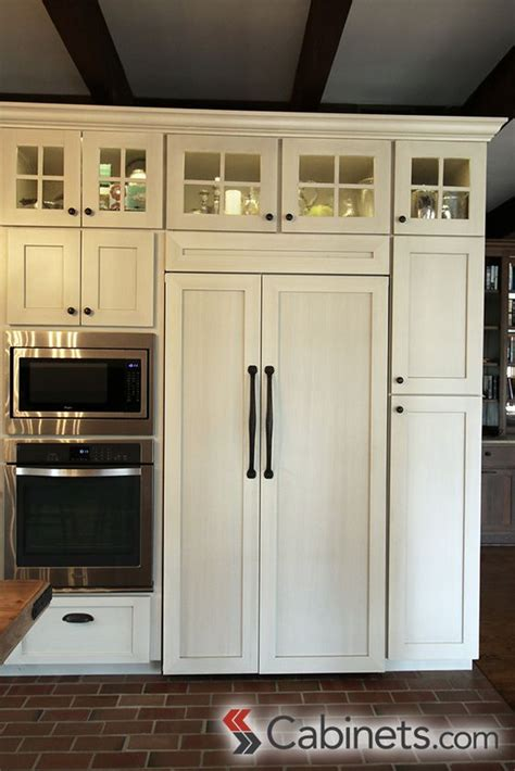 antique white shaker kitchen cabinets 17 best images about kitchen rehab antique white