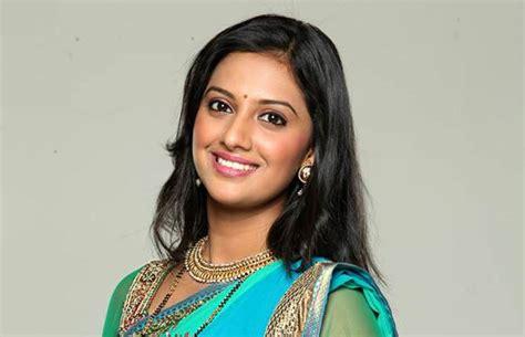 biography meaning marathi tejashri pradhan marathi actress photos biography jpg
