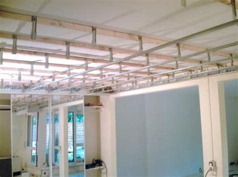 Rabaisser Un Plafond prestation ossature pour faux plafond multi services