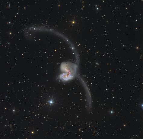 when galaxies collide antennae galaxy