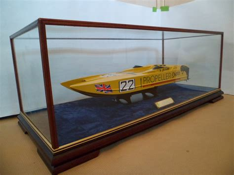 glass case with feet belmont clifton dsc showcases - Model Boat Glass Cases