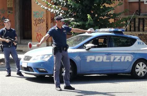 questura di crotone ufficio immigrazione controlli della polizia a cosenza sequestri sanzioni e