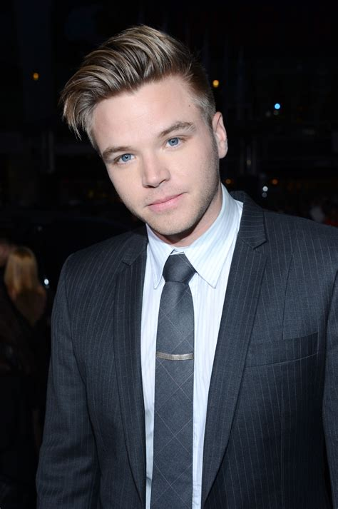 Home Diy Decor Brett Davern See All The Sexiest Stars Of Award Season