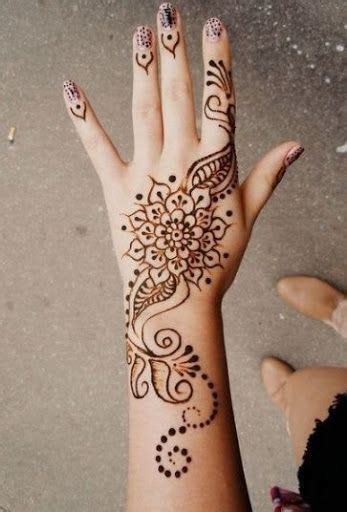 henna tattoo hand einfach 25 best ideas about henna designs on henna