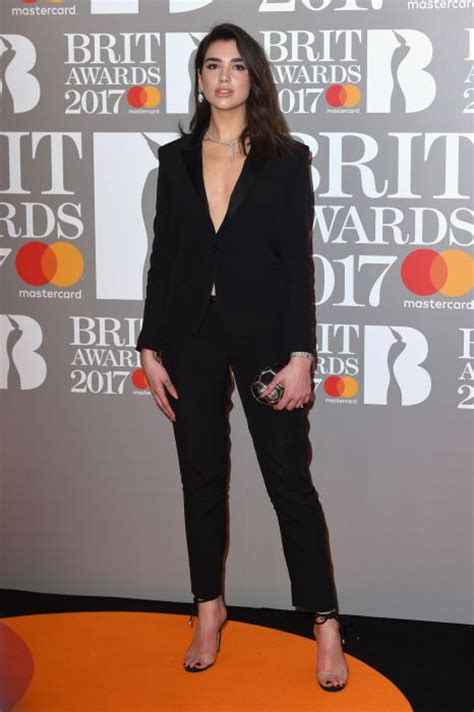 dua lipa red carpet brit awards 2017 all the outfits photo 8