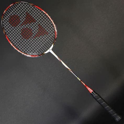 Raket Yonex Standar gambar dan ukuran lapangan badminton standar internasional