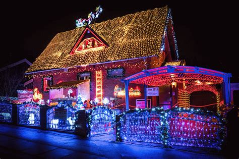twinkling house christmas lights pictures   images  facebook tumblr pinterest