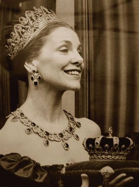 Sapphire Doreen a photo of doreen marchioness of londonderry wearing the