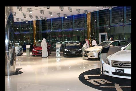 lexus kuwait 7 star lexus showroom opens doors in kuwait autoevolution