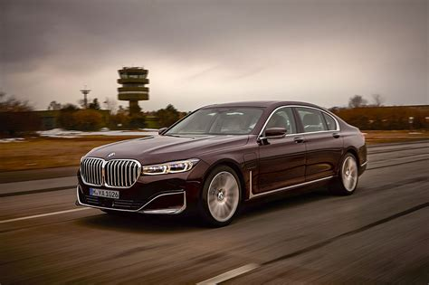 bmw  series  review price specs  release