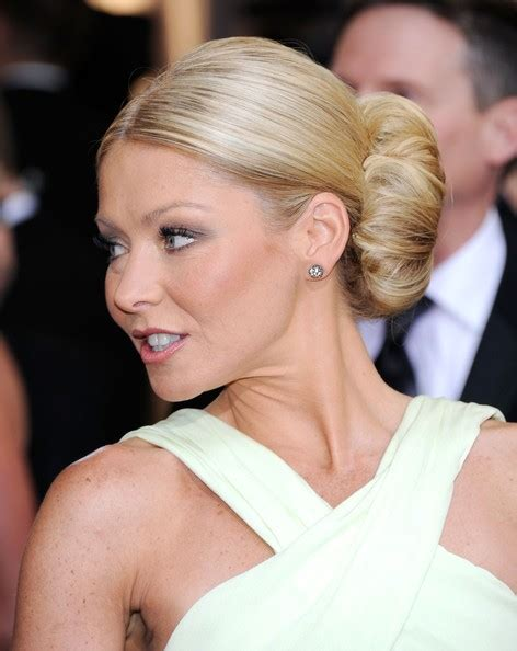 what is kelly ripa new haircut called what is kelly ripa new haircut called