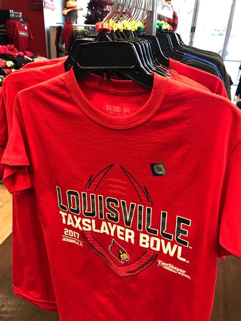 fan outfitters louisville ky fan outfitters sportbekleidung 4600 shelbyville rd