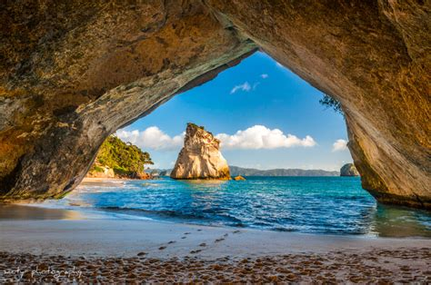 beauty sites beautiful sites at cathedral cove beach places to see in