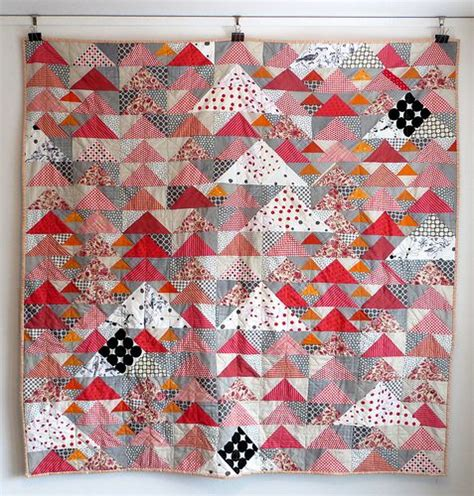 Patchwork Goose - triangles and geese and swans free pattern quilts