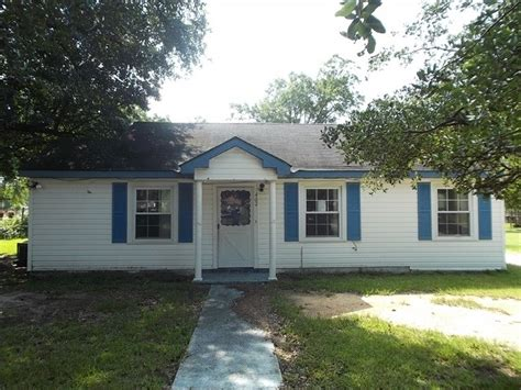 402 4th ave atmore al 36502 reo property details reo
