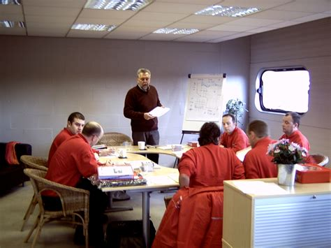 decorative concrete training uk certified installers training class concrete stain