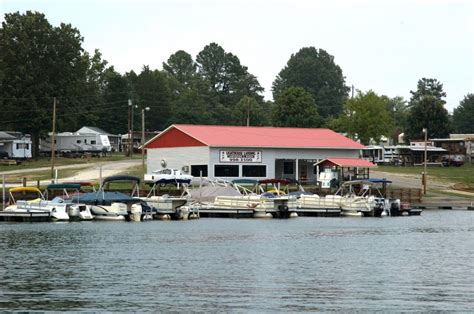 boat rentals lake greenwood sc lighthouse landing greenwood realty inc