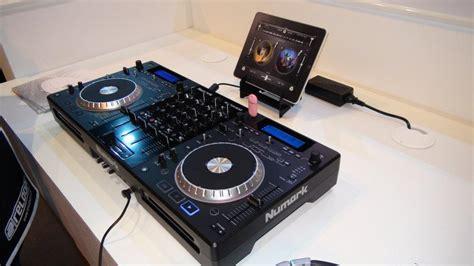 console per dj bpm show 2011 numark akai pro alto professional