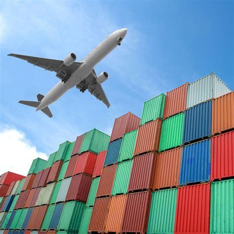 air freight forwarders move    digital future