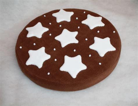 cuscini biscotto talents corner carolicrea