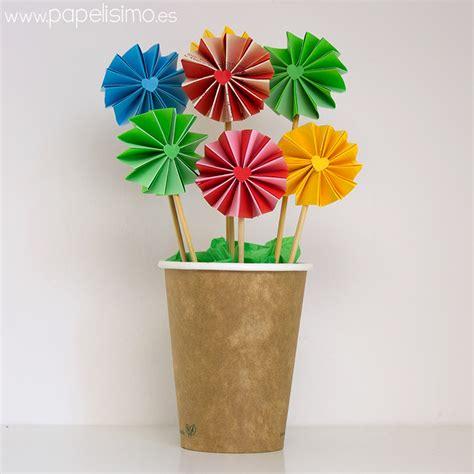 flores vasos de plastico de cafe papel macetas manualidades dia de la manualidades para regalar a profesores papelisimo